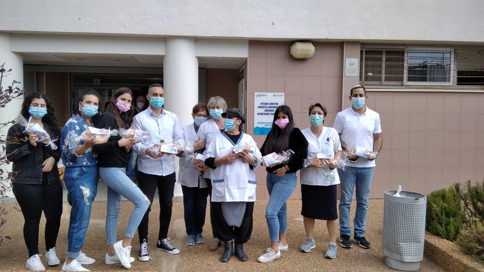 תודה מיוחדת מהתלמידים לצוותים הרפואיים